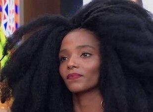 Jovem é alvo de racismo após aparecer na TV