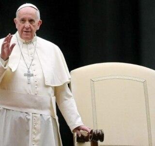 Papa aceita renúncia de bispo britânico após suposto romance com mulher casada