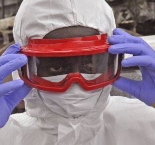 Número de casos de Ebola chega perto de 16 mil; Serra Leoa tem aumento
