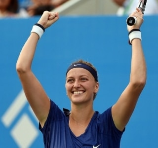 Kvitova vence Bouchard e fatura título além de vaga no Masters