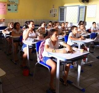 Dos emergentes, Brasil investe 2ª maior cota do PIB em educação