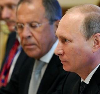 UE aumenta pressão sobre Moscou com sanções mais rígidas