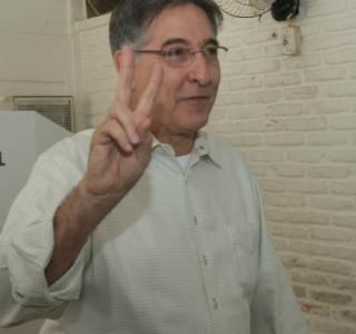 Fernando Pimentel confirma favoritismo e é eleito governador em Minas Gerais