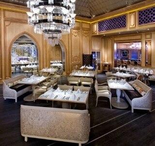 Clássico restaurante de Miami Beach tem novo chef no comando