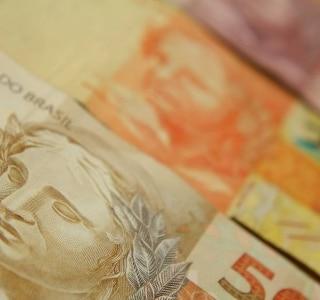 Bancos estão obrigados a trocar notas falsas