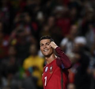 Com três de Cristiano Ronaldo 3859f93078747