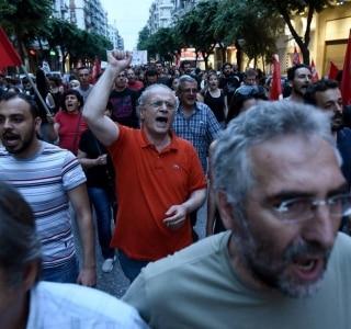 Giannis Papanikos/AP