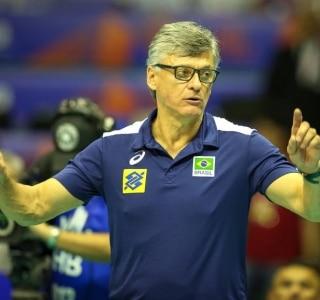 Com covid-19, técnico Renan Dal Zotto é internado; Radamés continua na UTI  - Esportes - Estadão
