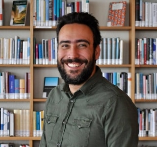 Guilherme Gontijo Flores mostra que a poesia brasileira vai bem