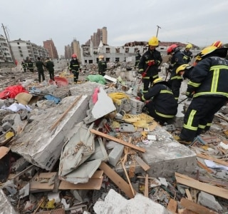 Explosão em fábrica deixa ao menos dois mortos na China