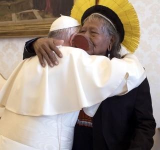 Resultado de imagem para papa francisco índios