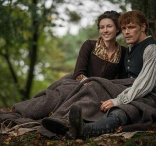 Violência, romance e sexo marcam a nova fase da série 'Outlander'