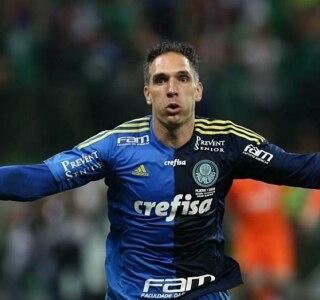 d098e457d7e56 Suspensão de Jailson reabre disputa entre Prass e Weverton no gol do ...
