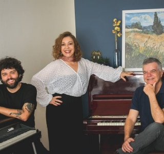 Em novo show, Vânia Bastos e os pianistas Túlio Mourão e Rafa Castro exaltam a música mineira