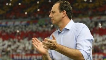 Rogério Ceni faz aniversário e recebe homenagem da Uefa e Libertadores c1365f5688a0d