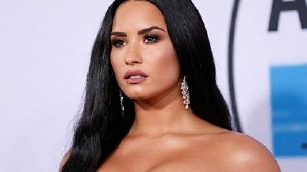 Dançarina fala após ser acusada de fornecer drogas a Demi