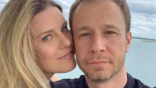 Tiago Leifert anuncia nascimento de Lua, sua filha com Daiana Garbin