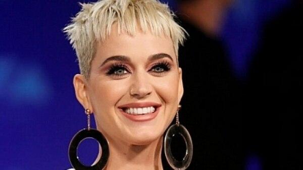 Fãs deixam show de Katy Perry após cantora oferecer cerveja grátis
