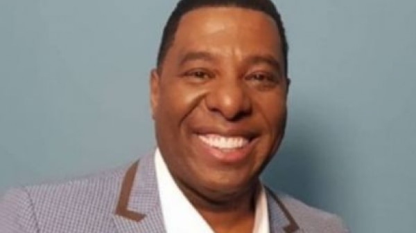 'Um absurdo eu ser o único apresentador negro', diz