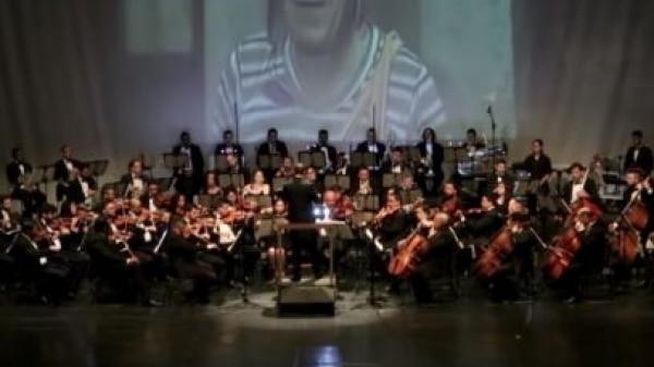 Orquestra de SP encanta ao tocar músicas do seriado