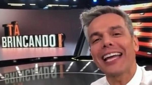 Otaviano Costa mostra cenário de novo programa