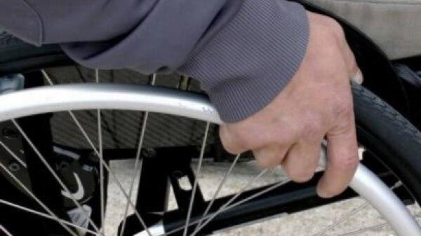 O que fazer em caso de desrespeito a deficientes?