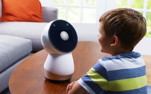 Entre a turma dos robôs 'fofinhos', feitos para os lares, o Jibo é o único que já está no mercado, por US$ 800