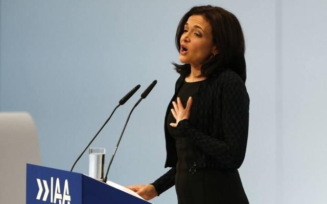 Sheryl Sandberg, diretora de operações do Facebook, na abertura do Salão do Automóvel de Frankfurt