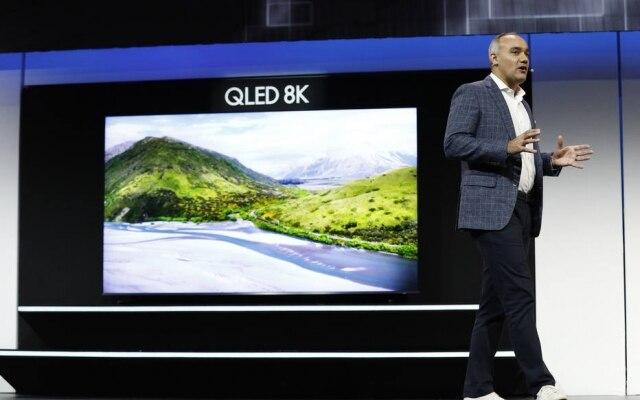 A Samsung apresentou um novo televisor com tela de 98 polegadas e resolução 8K