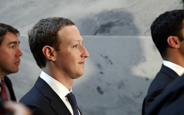 Mark Zuckerberg, o presidente executivo do Facebook, durante encontros no Congresso dos EUA em abril