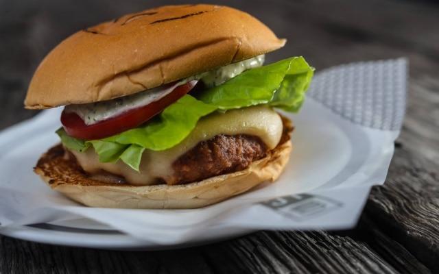 Na Lanchonete da Cidade, hambúrguer'vegetal' está no cardápio como LC Futuro 1.0 e sai por R$ 29