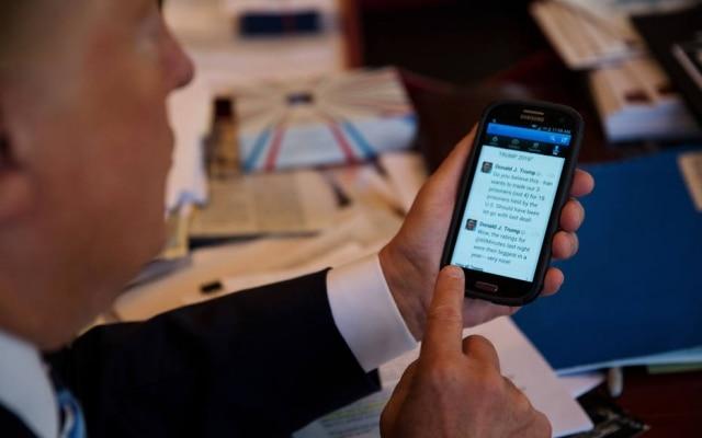 Com mais de 17 milhões de seguidores, Donald Trump diz usar o Twitter por ser 'forma moderna de comunicação'
