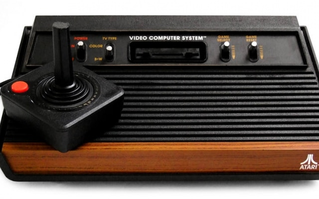 Primeira versão do Atari 2600 foi lançada em 1977.