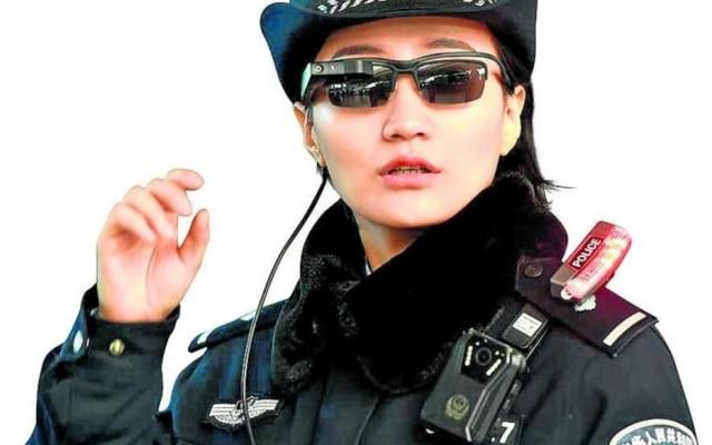 Vigia: Óculos da polícia 'enxergam' suspeito