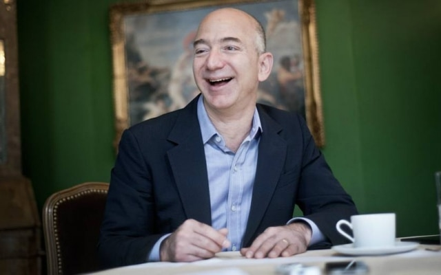 Rindo à toa. Além da Amazon, Bezos também é dono do jornal norte-americano The Washington Post