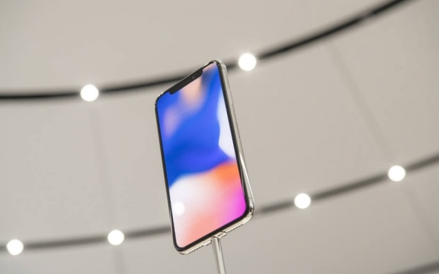 O novo iPhone X, quase sem bordas; com novos aparelhos, Samsung eApple querem atrair clientes de alta renda