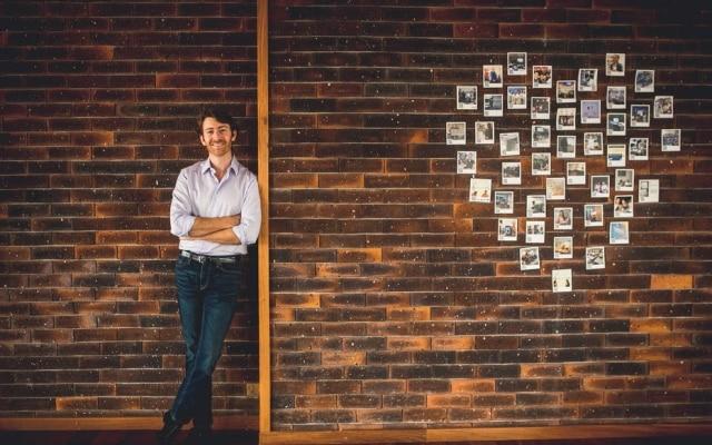 Daniel Hatkoff, da Pitzi, criou uma startup que vende seguros para o bem mais querido entre os brasileiros: seus celulares