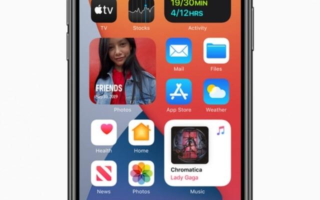 O iOS 14, sistema operacional dos iPhones, traz uma tela de início mais dinâmica e inteligente, com widgets e biblioteca de apps