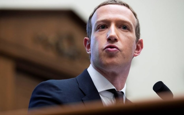 Presidente executivo do Facebook, Mark Zuckerberg dá depoimento ao Congresso dos EUA