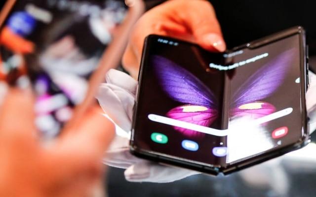 Samsung Galaxy Fold custa R$ 13 mil e é o celular mais caro do País
