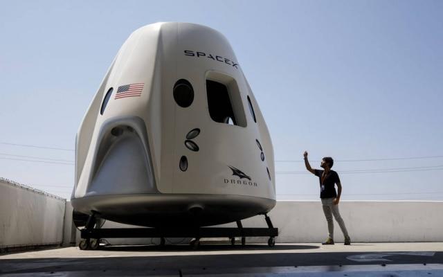 A Crew Dragon, nave da SpaceX que levará quatro astronautas ao espaço até abril de 2019