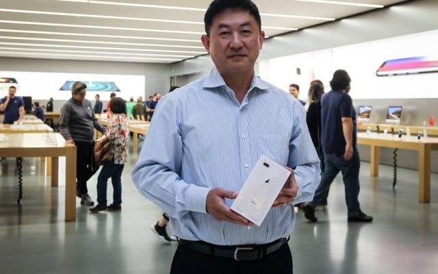 Carlos Takenaka comprou iPhone 8 Plus, com 256 GB de memória