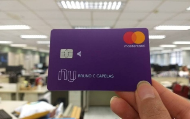 O Nubank anunciou o cartão de débito em dezembro do ano passado
