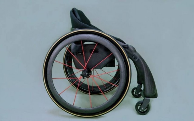 Cadeira de rodas da Phoenix Instinct é feitade fibra de carbono