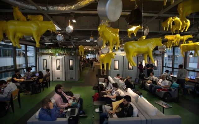 Silêncio!Sala da Vaca Amarela, no Campus, onde visitantes podem focar em suas tarefas
