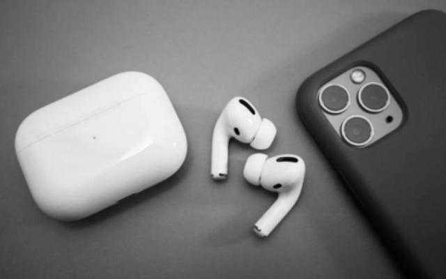 A Apple quer trazer, no ano que vem, a terceira geração dos AirPods com melhorias em itens como bateria e hastes mais curtas