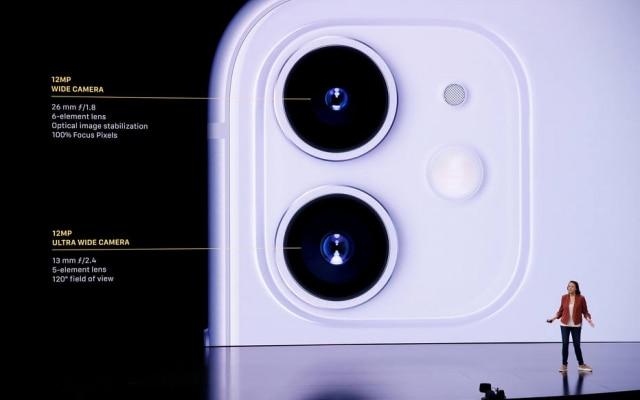 Aparelho tem apenas duas lentes na câmera traseira, mas IA da Apple faz tudo dar conta do recado