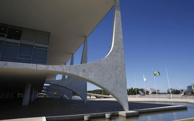 STF vai continuar a julgar dois casos sobre os bloqueios do WhatsApp nesta quinta-feira