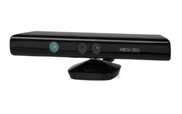 A primeira versão comercial do Kinect, vendida para ser usada junto ao Xbox 360