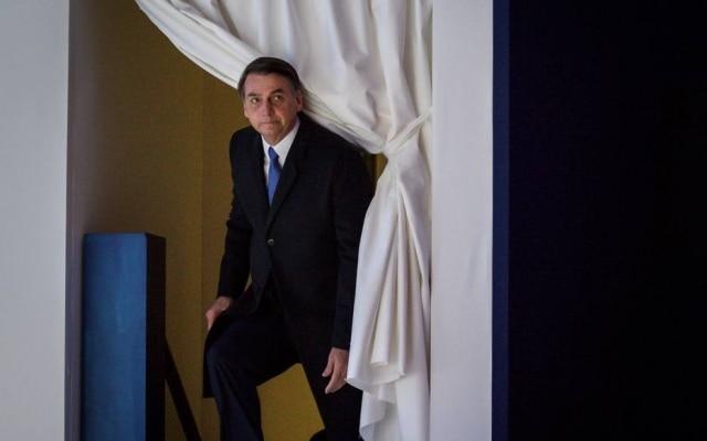 Presidente do Brasil, Jair Bolsonaro prefere se comunicar com eleitores pelo Twitter